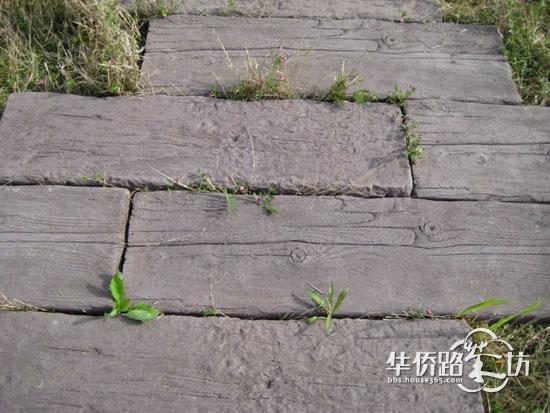 """⑤""""朽木""""再现:以纤细的木质纹理塑造景观,让建筑与绿地相得益彰."""