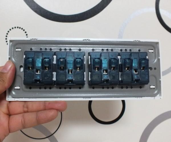 十二孔电源插座118型开关插座面板12孔排插板hute互特国际电工