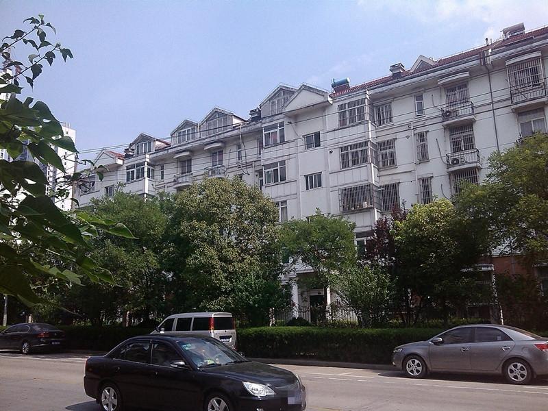 名君家园3室2厅1卫96.94平方产权房精装