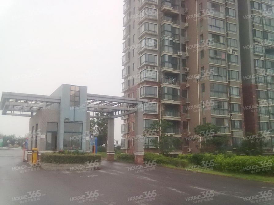 水月秦淮2室2厅1卫98.13平方产权房毛坯满2年且唯一