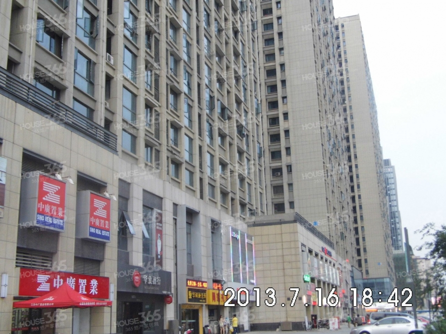 建邺区万达广场河西万达广场121.00�O豪华装1室0厅