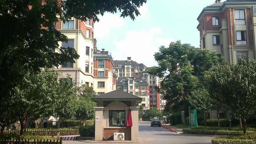 左邻右里枫叶苑3室1厅1卫92.1平方产权房简装