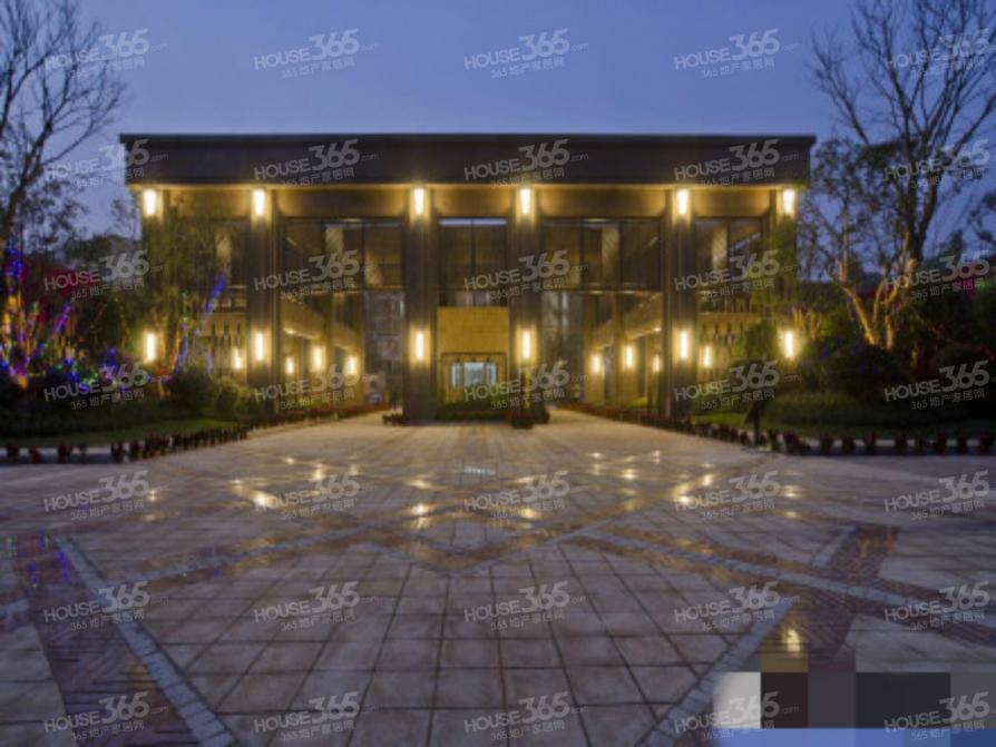 高科荣域4室2厅2卫107.29平米2013年产权房豪华装