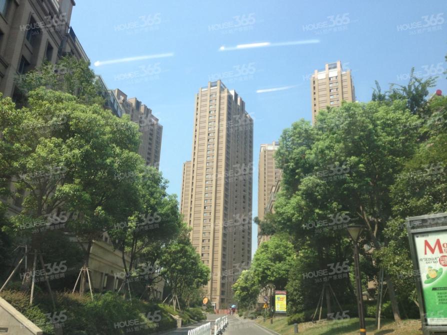 好消息 好消息 新出好房 万科金域缇香精装两房 真正的地铁口