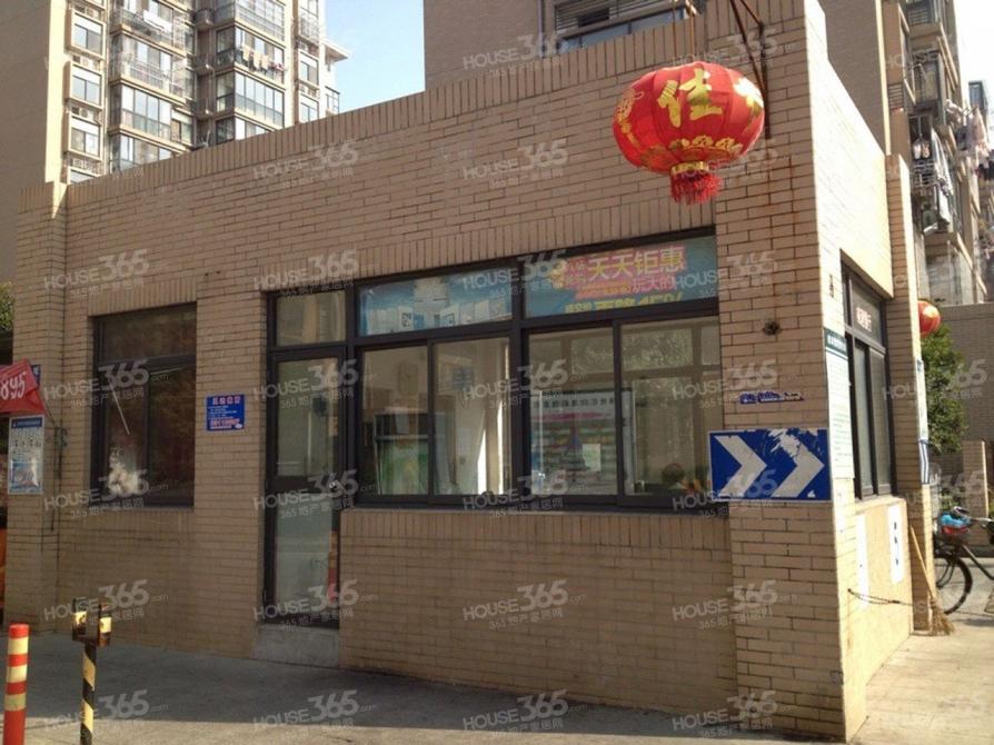 刘谭地铁站凤翔馨城,简装修电梯3房,设施齐全,拎包入住