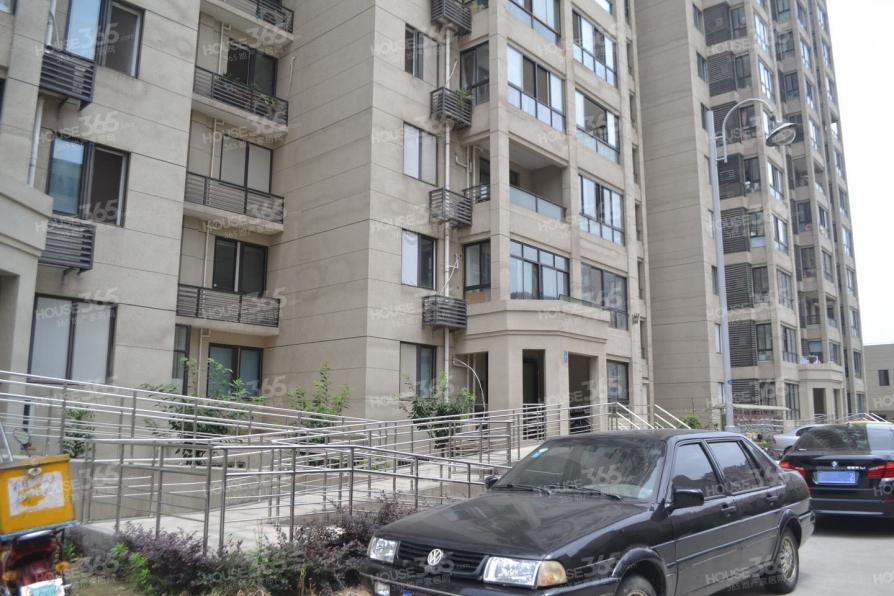 钟楼御水华庭克拉公寓1室1厅1卫47㎡