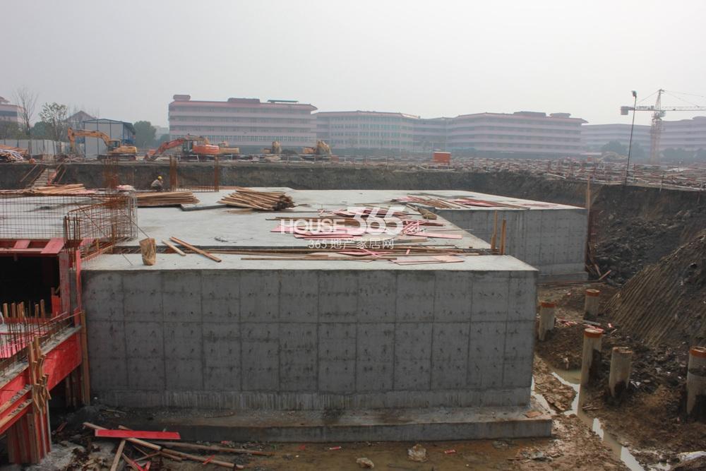 旭辉美澜城部分桩基建设(2.20)