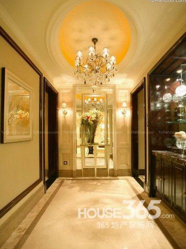大户型入户玄关设计,长长的走廊