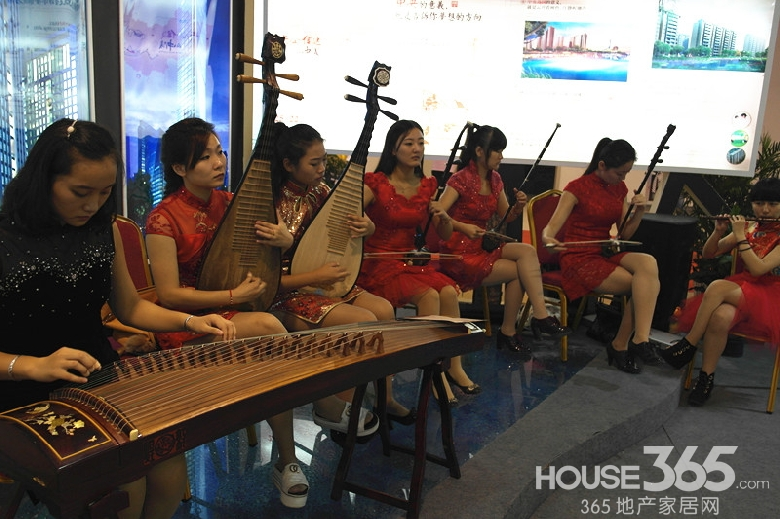 信达荷塘月色乐器合奏庆国庆 二胡琵琶古筝长笛样样来