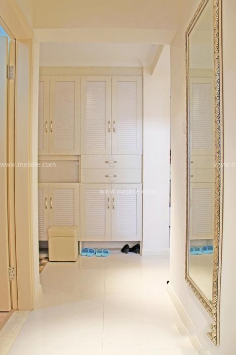 门口鞋柜装修效果图 既时尚又美观的鞋柜设计